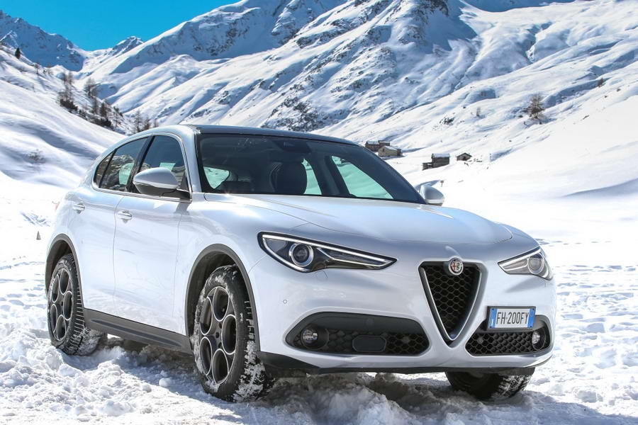 "Τώρα και Alfa Romeo Stelvio ""junior"""