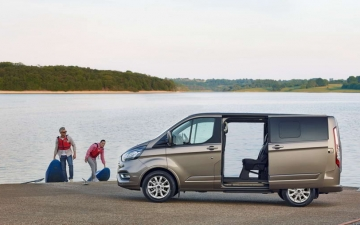 Ford Tourneo Custom 10