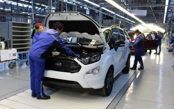 Ford EcoSport on the line 12