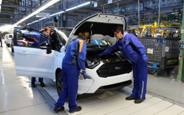 Ford EcoSport on the line 15