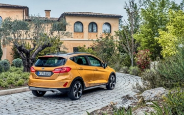 Ford Fiesta Active  16