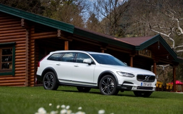 V90 CROSS COUNTRY 13