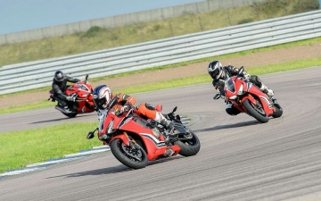 25 years of Fireblade and Type R 11