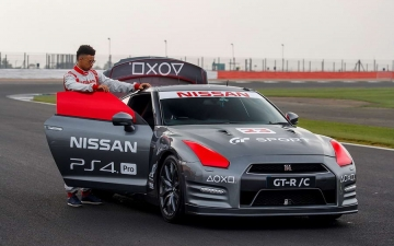 PlayStation controlled Nissan GT R 13