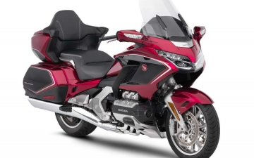 GL1800 Gold Wing Tour 1