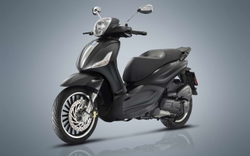 Piaggio Beverly 300 by Police