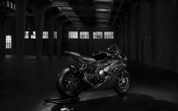 BMW HP4 RACE 02