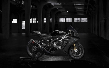 BMW HP4 RACE 04