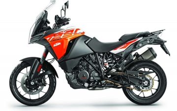 2017 KTM 1290 SUPER ADVENTURE Studio 15