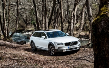 V90 CROSS COUNTRY 20