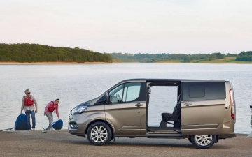 Ford Tourneo Custom 13