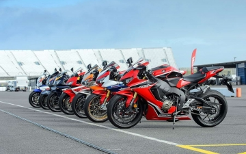 25 years of Fireblade and Type R 13