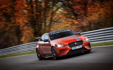 Jaguar XE SV Project 8  10