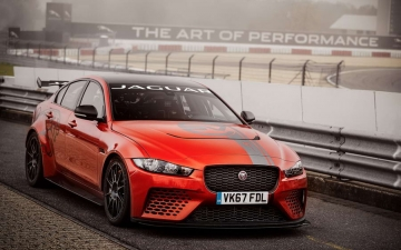 Jaguar XE SV Project 8  12