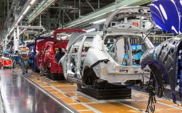 Nissan leaf production 14