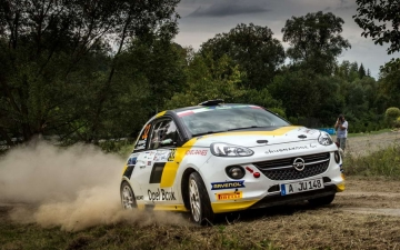 Opel race ADAM 11
