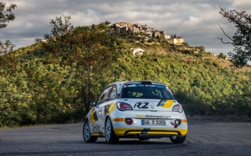 Opel race ADAM 13