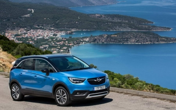 Opel Crossland X sales 10