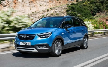 Opel Crossland X sales 11