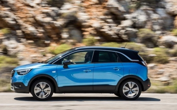 Opel Crossland X sales 12