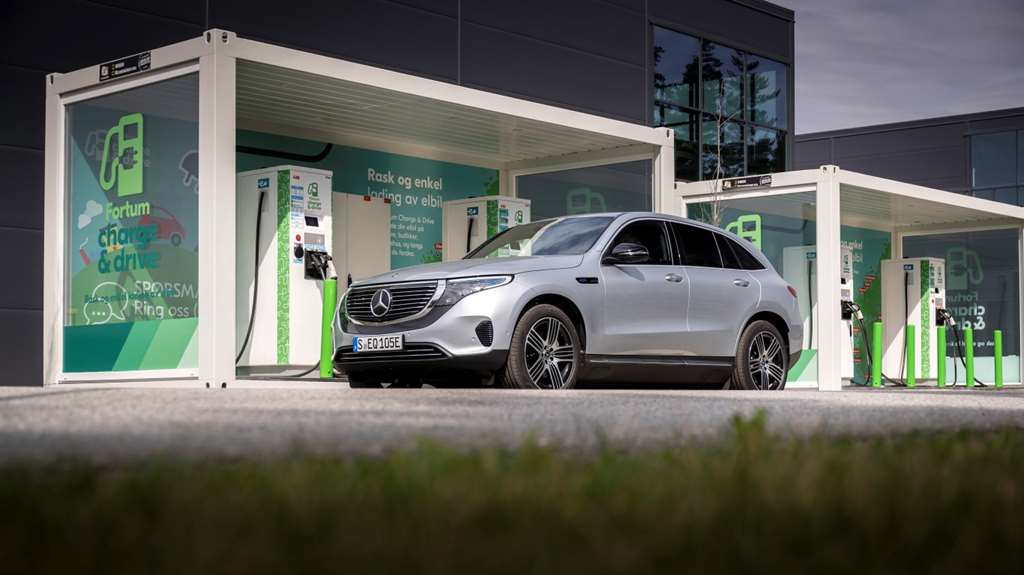 Mercedes-Benz EQC_ 06