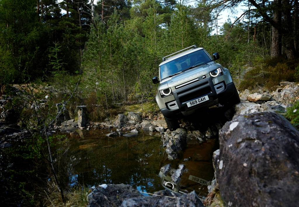 Land Rover Defender_04