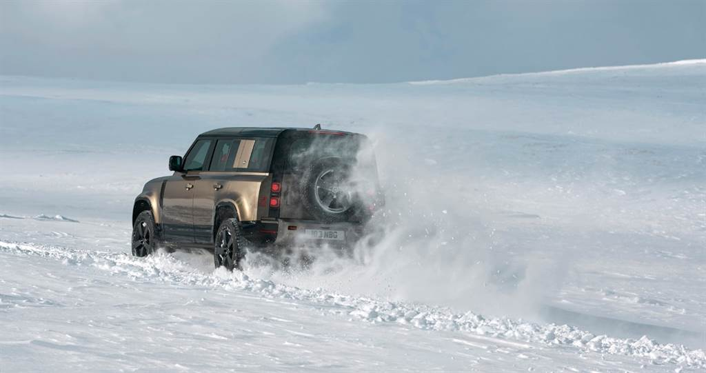 Land Rover Defender_10
