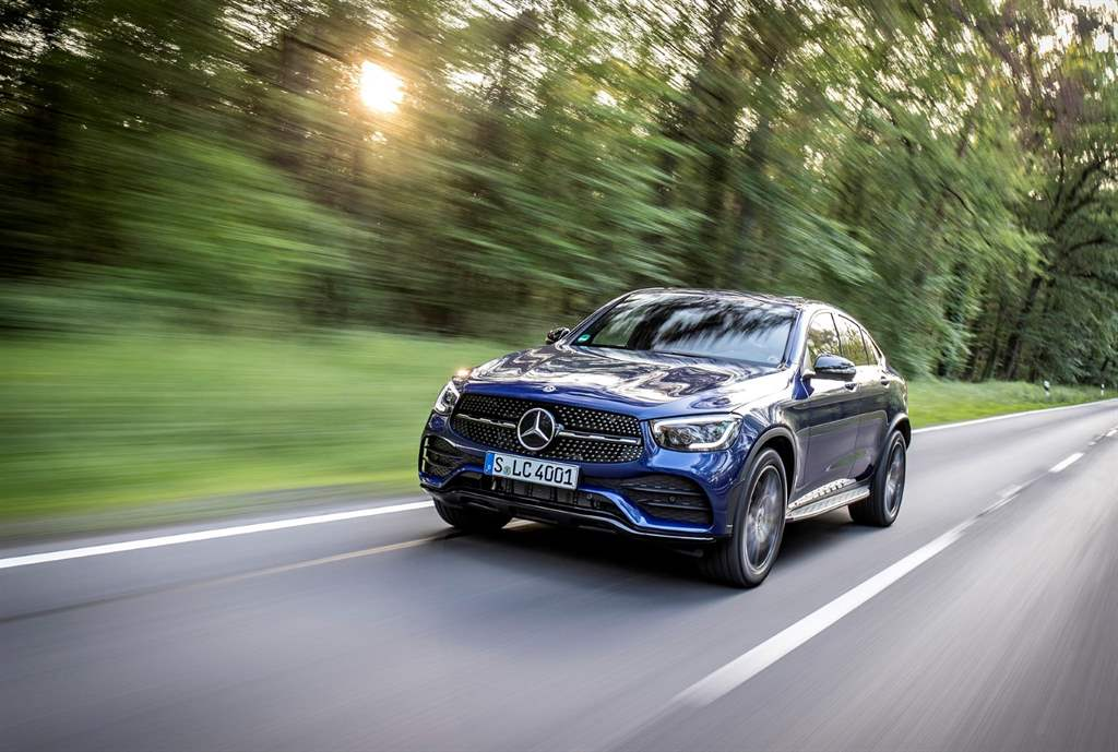GLC_300_de_4MATIC_03
