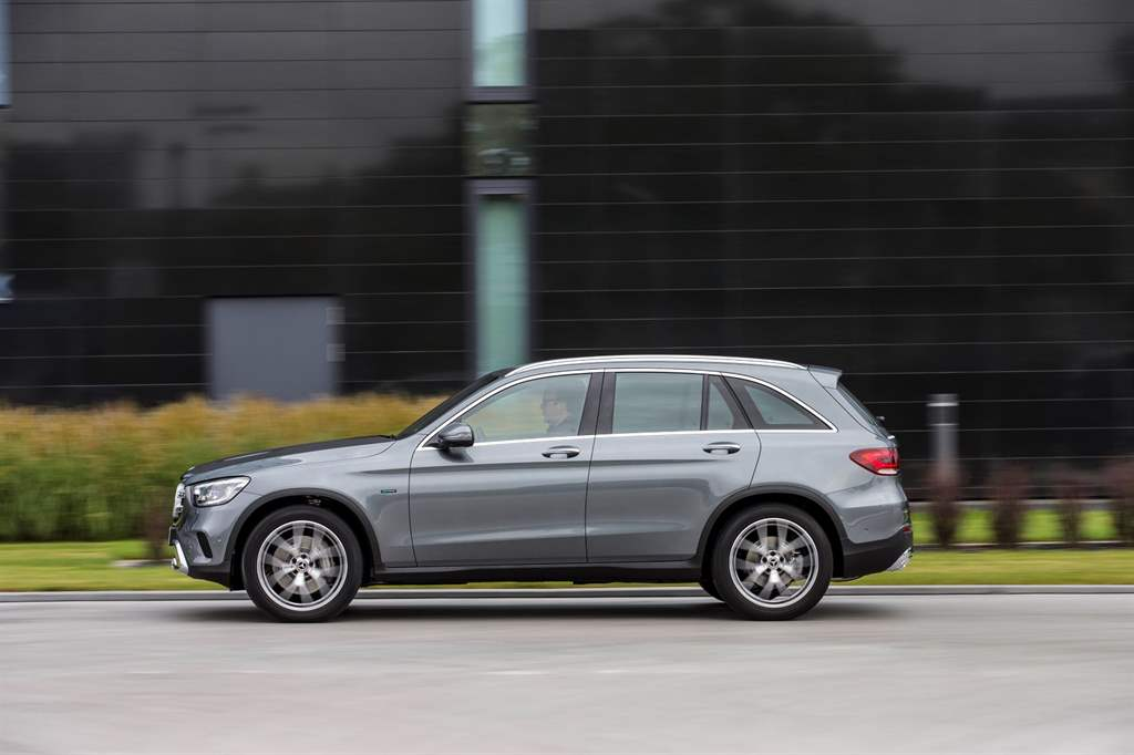 GLC_300_de_4MATIC_07