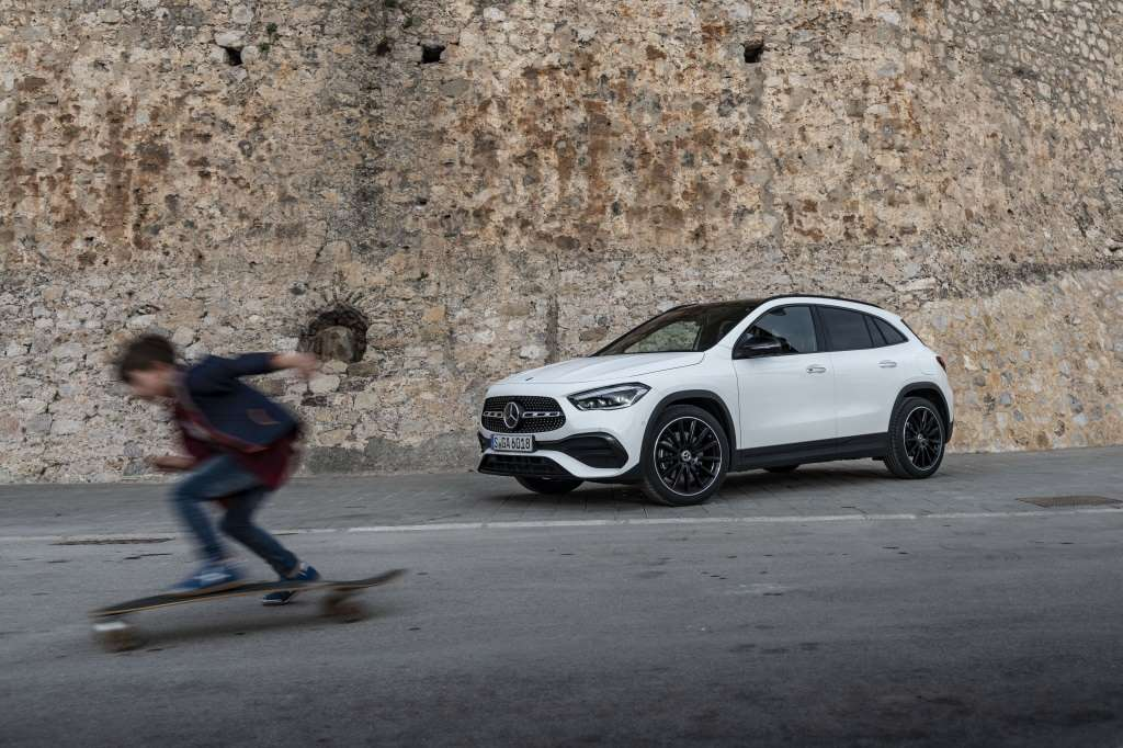 Νέα Mercedes-Benz GLA