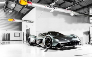 Aston Martin AM RB 001 10