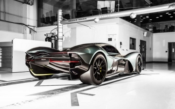 Aston Martin AM RB 001 12