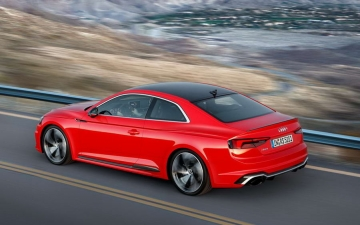 Audi-RS5 Coupe 15