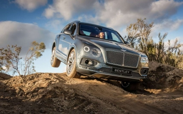 Bentley Bentayga 10