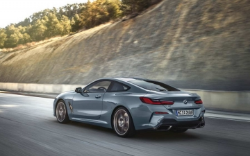 BMW M850i xDrive Coupe M 13