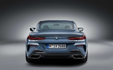 BMW M850i xDrive Coupe M 23