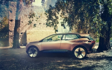 BMW Vision iNEXT 13
