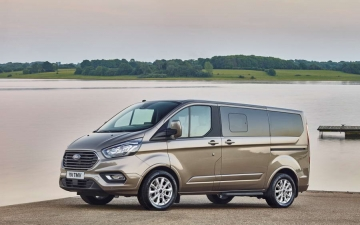 Ford Tourneo Custom 12