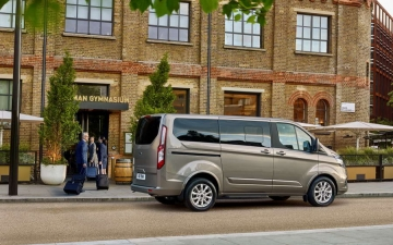 Ford Tourneo Custom 14