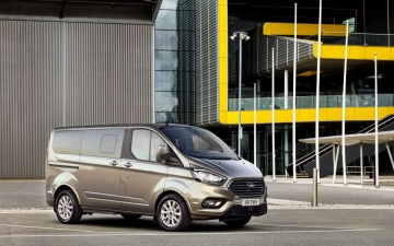Ford Tourneo Custom 15