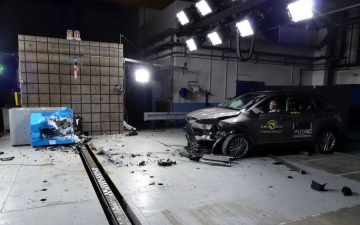 Hyundai Kona crash test 13
