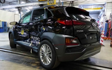 Hyundai Kona crash test 15