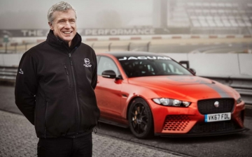 Jaguar XE SV Project 8  15