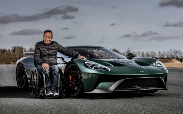 Jason Watt & his Ford GT1 10