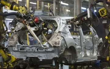 Nissan leaf production 11