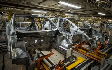 Nissan leaf production 13