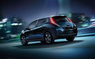 Nissan leaf production 16