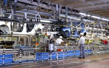 Nissan leaf production 18