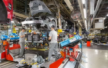 Nissan leaf production 19