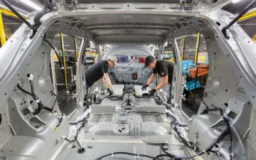 Nissan leaf production 20